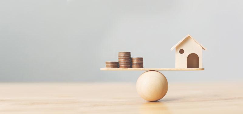 Vous vendez une maison ou un appartement. Il est important de faire estimer la valeur vénale de votre bien par un professionnel. Il déterminera le prix de vente qui sera au juste equilibre pour vendre votre bien au meilleur prix dans les meilleurs délais
