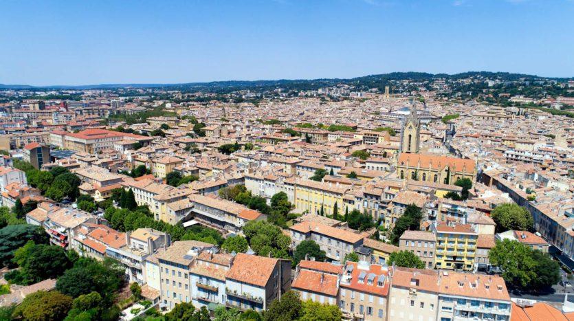 Blog actualités immobilières. Découvrez Aix-en-Provence et ses environs. Dans quel quartier s'installer à Aix-en-Provence. Calexia Agence immobilière Aix-en-Provence